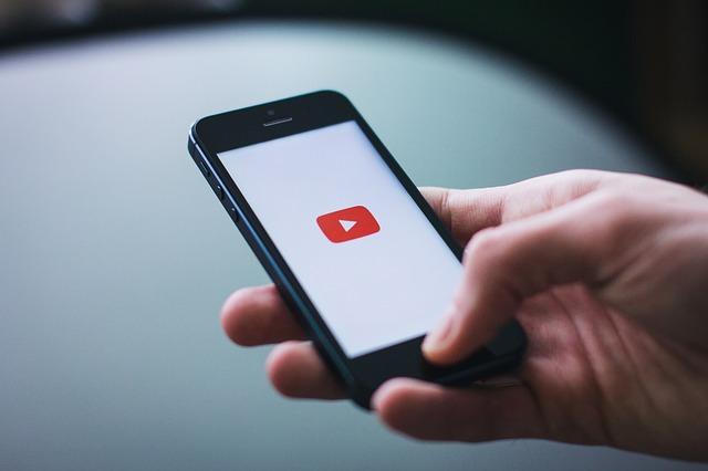 přehrávání na youtube