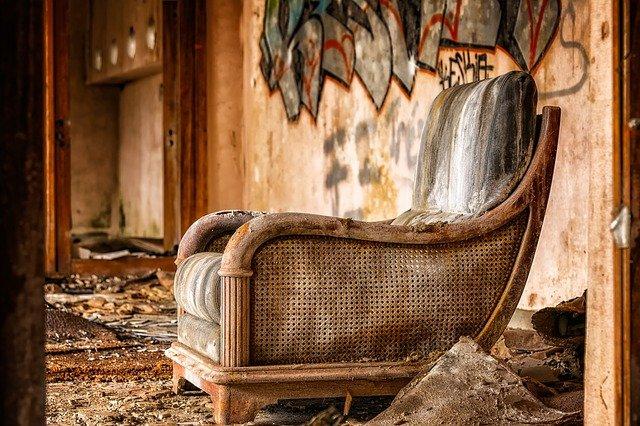 starý nábytek